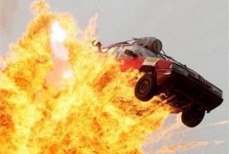 Explodierende Autos in Filmen und im realen Leben